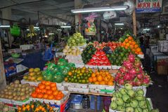 Mercado de la comida de la ciudad Vietnam, Phanrang imagenes de archivo