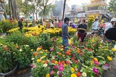 Mercado de la flor en Tet Eve, Vietnam Foto de archivo