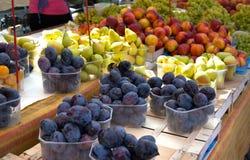 Mercado de la fruta Foto de archivo libre de regalías