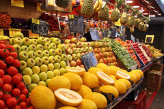 Mercado de la fruta fotos de archivo libres de regalías