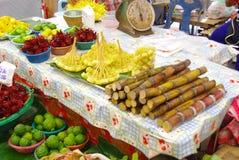 Mercado de la fruta de Asia Imágenes de archivo libres de regalías