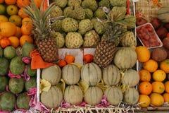 Mercado de la fruta y verdura Imagen de archivo libre de regalías