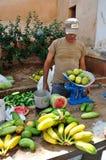 Mercado de la fruta y verdura Fotos de archivo libres de regalías