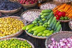 Mercado de la fruta y verdura en Hanoi, viejo cuarto, Vietnam, Asia fotografía de archivo libre de regalías