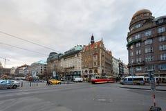Mercado de la Navidad del tiempo del advenimiento en el cuadrado de Wenceslao, Praga Imagen de archivo libre de regalías
