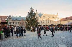 Mercado de la Navidad en el cuadrado de la catedral del st Vitus en Praga Foto de archivo