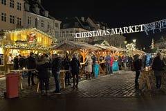 Mercado de la Navidad en Hojbro Plads en Copenhague, Dinamarca Imágenes de archivo libres de regalías