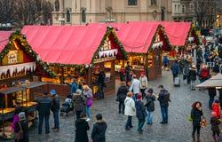 Mercado de la Navidad en la ciudad vieja de Praga, República Checa Imagenes de archivo