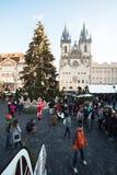 Mercado de la Navidad en la vieja plaza en Praga Imagen de archivo