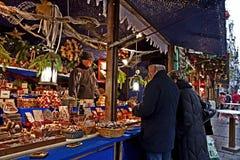 Mercado de la Navidad en Munich, Alemania Fotos de archivo libres de regalías