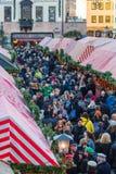 Mercado de la Navidad - gente Nuremberg-Alemania de la muchedumbre fotos de archivo libres de regalías