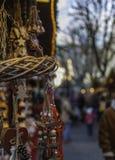 Mercado de la Navidad - Mercatini di Natale: natalizie del bancarelle Imagen de archivo