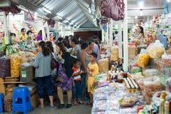 Mercado de la noche de la comida, Dalat, Vietnam Fotos de archivo libres de regalías