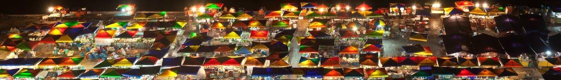 Mercado de la noche en Kota Kinabalu, Malasia Imagen de archivo libre de regalías