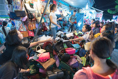 Mercado de la noche en Saigon Fotografía de archivo libre de regalías