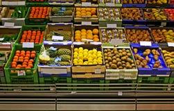 Mercado de la tienda de comestibles Imágenes de archivo libres de regalías