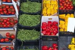 Mercado de las verduras frescas Imágenes de archivo libres de regalías