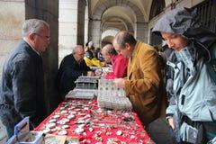 Mercado de los coleccionables de Madrid Imágenes de archivo libres de regalías