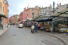 Mercado de los granjeros de Rovinj Fotos de archivo libres de regalías