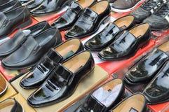 Mercado de los zapatos Fotos de archivo libres de regalías