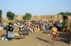 Mercado de lunes, Djenne, Malí imágenes de archivo libres de regalías