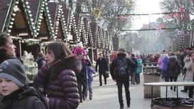 Mercado de lviv do Natal video estoque