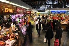 Mercado de Mercat de Santa Caterina em Barcelona, Espanha Fotografia de Stock