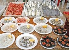 Mercado de pescados de comida de la calle foto de archivo