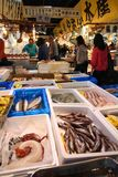Mercado de pescados de Tsukiji, Tokio Imagen de archivo