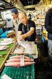 Mercado de pescados editorial de Tokio Imagenes de archivo