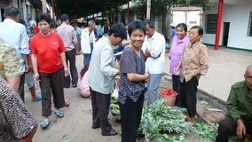Mercado de producto agrícola en zona rural Fotos de archivo