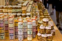 Mercado de productos de la artesanía Fotos de archivo