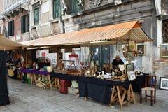 Mercado de pulgas Imágenes de archivo libres de regalías