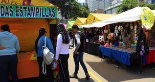 Mercado de pulgas de Bogot? Sant Alejo metrajes