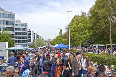 Mercado de pulgas cada primer día de mayo en Bruselas Foto de archivo libre de regalías