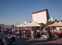 Mercado de pulgas el mercado del aire abierto de Roadium/de la reunión o de intercambio Imágenes de archivo libres de regalías