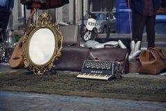 Mercado de pulgas en Bruselas, Bélgica Imágenes de archivo libres de regalías