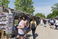 Mercado de pulgas en Mauerpark en Berlín, Alemania Fotos de archivo