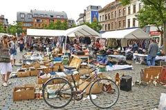 Mercado de pulgas en Place du Jeu de Balle Imagen de archivo