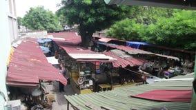 Mercado de pulgas y mercado de la antigüedad en la calle en Georgia almacen de metraje de vídeo