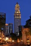 Mercado de Quincy y torre de aduanas en la noche Foto de archivo libre de regalías