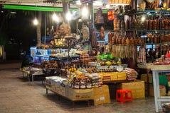 Mercado de rua da noite Fotos de Stock