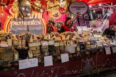 Mercado de rua do Natal em Milão, Itália Imagem de Stock