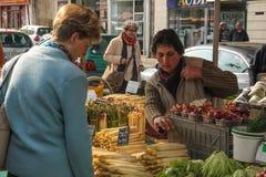 Mercado de rua excursões france imagens de stock