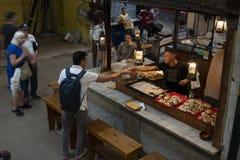 Mercado de San Telmo, im Herzen der alten Nachbarschaft des gleichen Namens in der Stadt von Buenos Aires, Argentinien stockfotografie