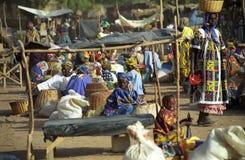 Mercado de segunda-feira, Djenne, Mali fotografia de stock