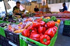 Mercado de Shuk HaNamal en el puerto Israel de Tel Aviv Fotografía de archivo