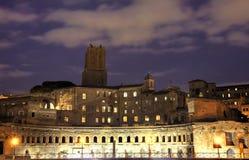 Mercado de Trajan azul de la hora, Roma Foto de archivo libre de regalías