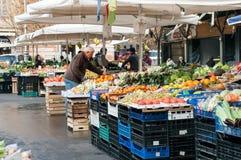 Mercado de Treet da vizinhança de Trastevere em Roma Imagens de Stock