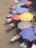Mercado del agua en Amphawa Fotos de archivo libres de regalías